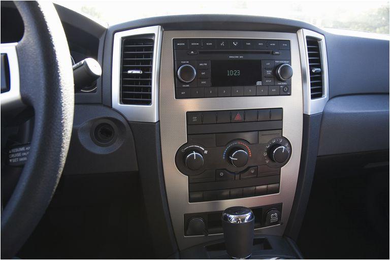 cigarette lighter and 12v sockets in a car
