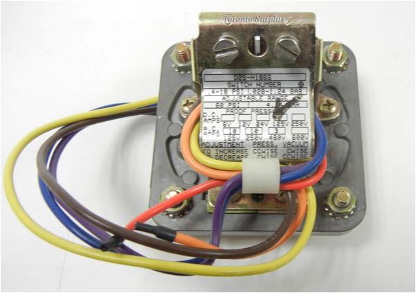 barksdale d2s h18ss d2sh18ss 2sdp pressure switch 0 4 18 psi bnib nos