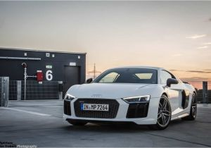 Audi R8 E Tron Special Edition Video Watch Chris Harris Thrash An Audi R8 V10 Plus