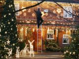 Pre Lit Christmas Tree Wiring Diagram How to Hang Outdoor Christmas Lights